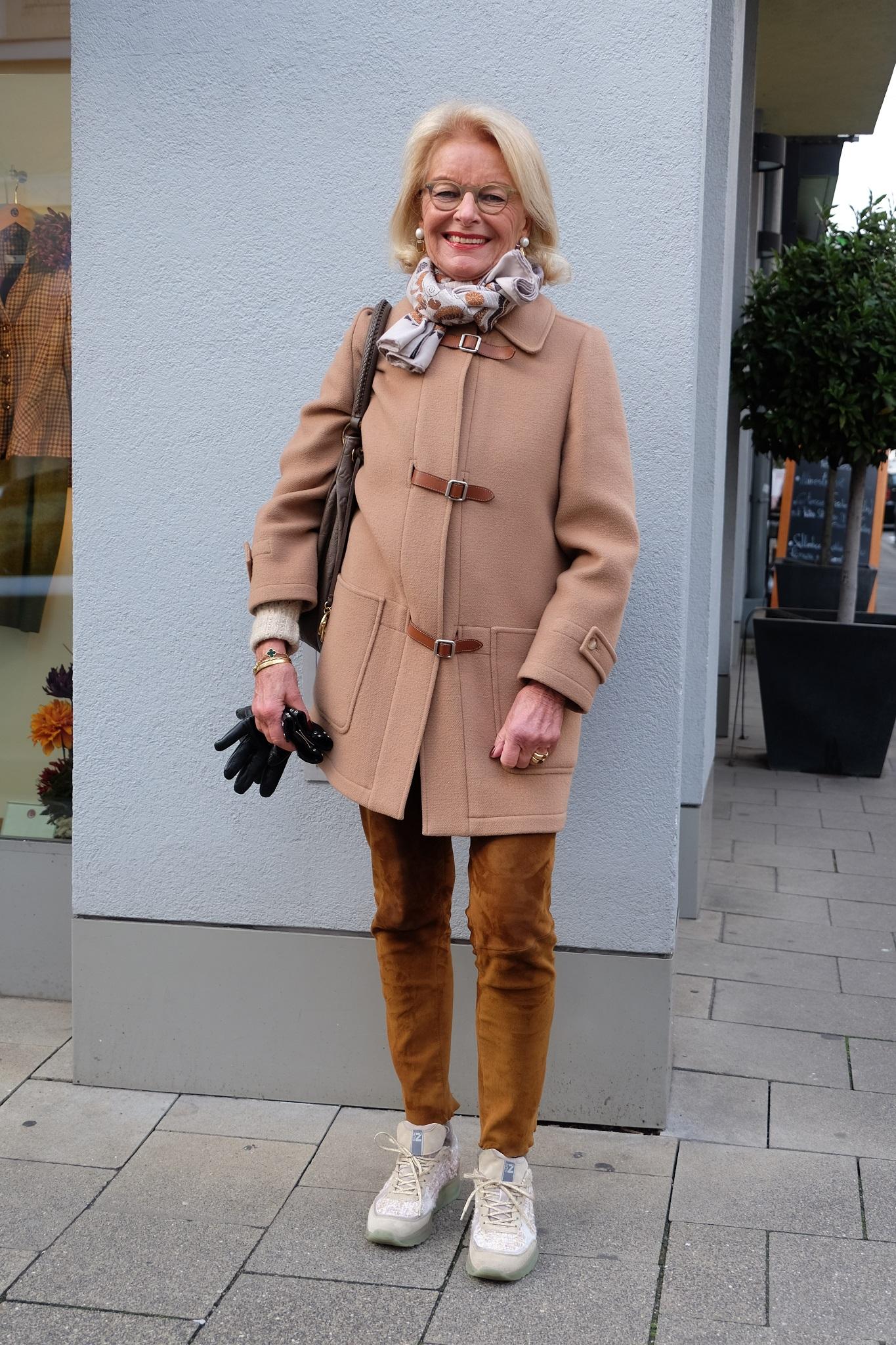Gabriela Alexa Göllner, Elena, Lieblingsstil, Dufflecoat Hermès