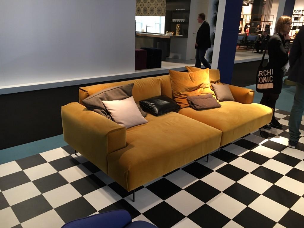 Sancal Sofa yellow, Sancal Sofa gelb, Sancal Sofa Samt, Lifestyle Blog Lieblingsstil