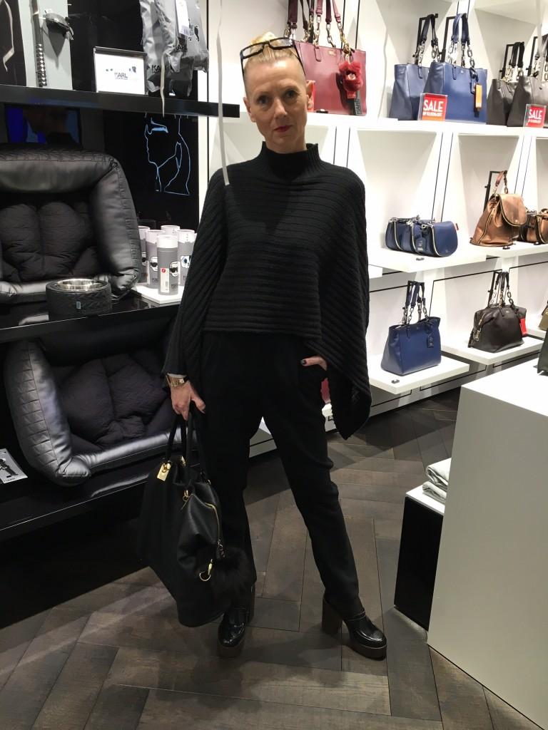 Susanne Bürrig, Poncho Isadorn, Tasche YSK, Schuhe Sommerkind, Fashionblog Lieblingsstil