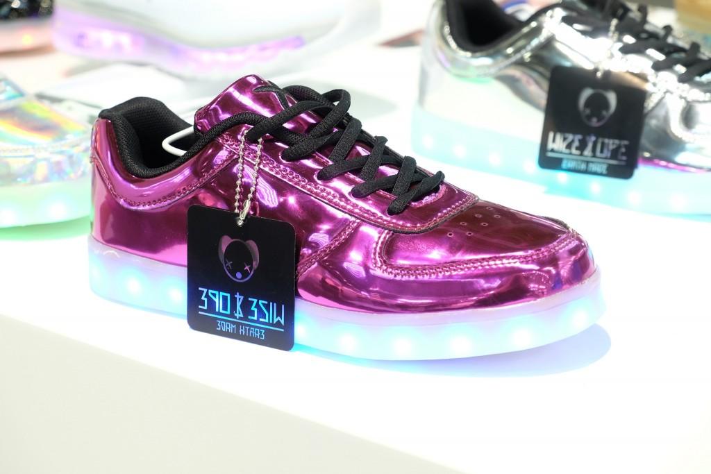 Wize & Ope Sneaker, Wize&Ope Sneaker, LED shoes, LED Sneaker, LED Schuhe, Metallic Sneaker, Sneaker Metallic, Fashion Blog Lieblingsstil, Modeblog Lieblingsstil