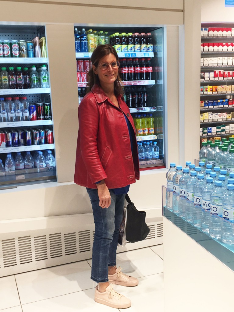 Britta-Peters-München,-große-runde-Brille,-Streetstyle-München,-Brille-the-Row,-Fashionblog-Lieblingsstil,-Modeblog-Lieblingsstil,1