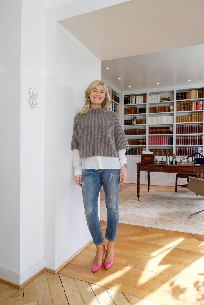 Iris von Armin Pullover, Please Jeans, Hugo Boss Seidenbluse, Prada Schuhe pink, nice outfit, cooles outfit, Fashionblog Lieblingsstil, Modeblog Lieblingsstil, Petra Dieners