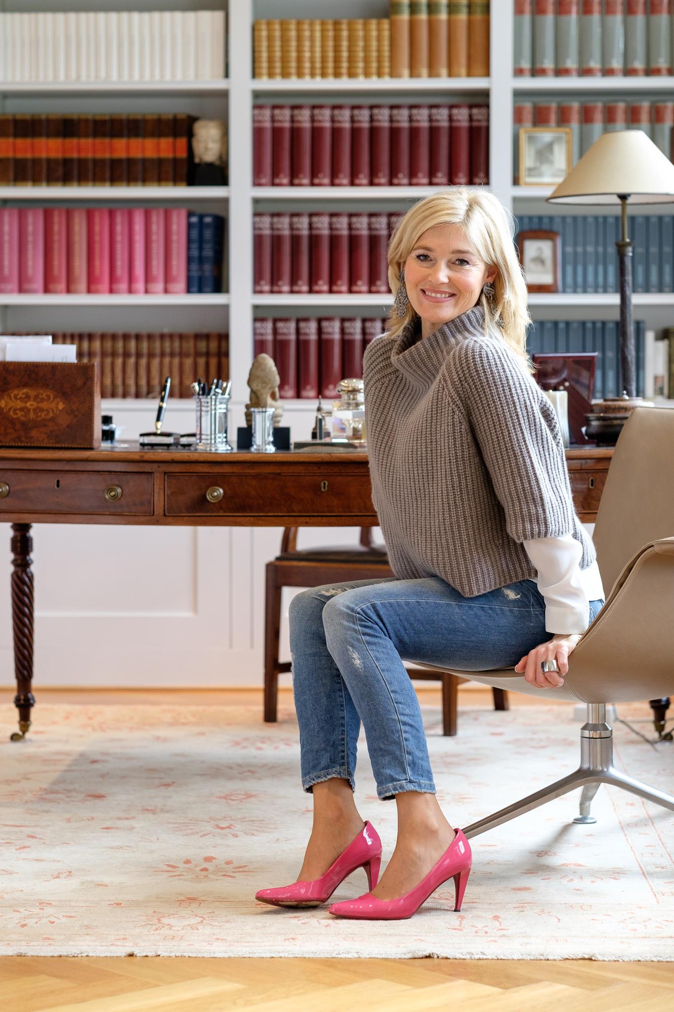 Iris von Armin Sweater, Highlight Schuh, Outfit mit Pep, Please Jeans, knallige Schuhe, Fashionblogger Lieblingsstil, Modeblogger Lieblingsstil