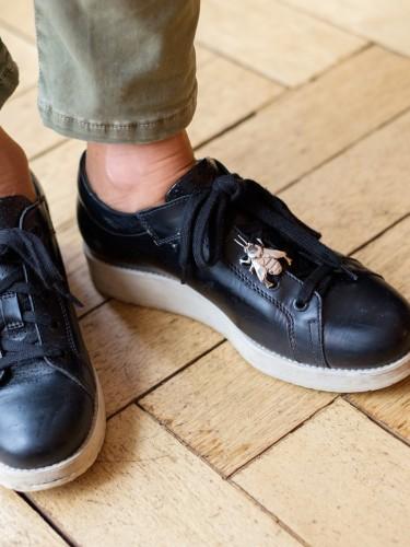 Sneakerschmuck, Sneaker Schmuck, Sneaker Dime, Dime Senaker, Bienenanhänger, Modeblogger Lieblingsstil, Fashionblog Lieblingsstil, Fashionblogger Lieblingsstil, Lieblingsaccessoire,1