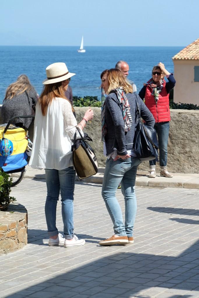 Streetstyle St. Tropez, street style St. Tropez, Bohème Look mit Jeans, St. Tropez style, Lifestyle Blog Lieblingsstil, Fashion Blog Lieblingsstil