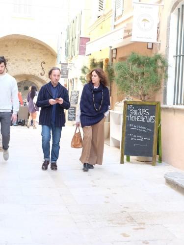 Streetstyle St. Tropez, street style St. Tropez, St. Tropez style, St. Tropez Look, wide pants, weite Hose, Lifestyle Blog Lieblingsstil, Fashion Blog Lieblingsstil