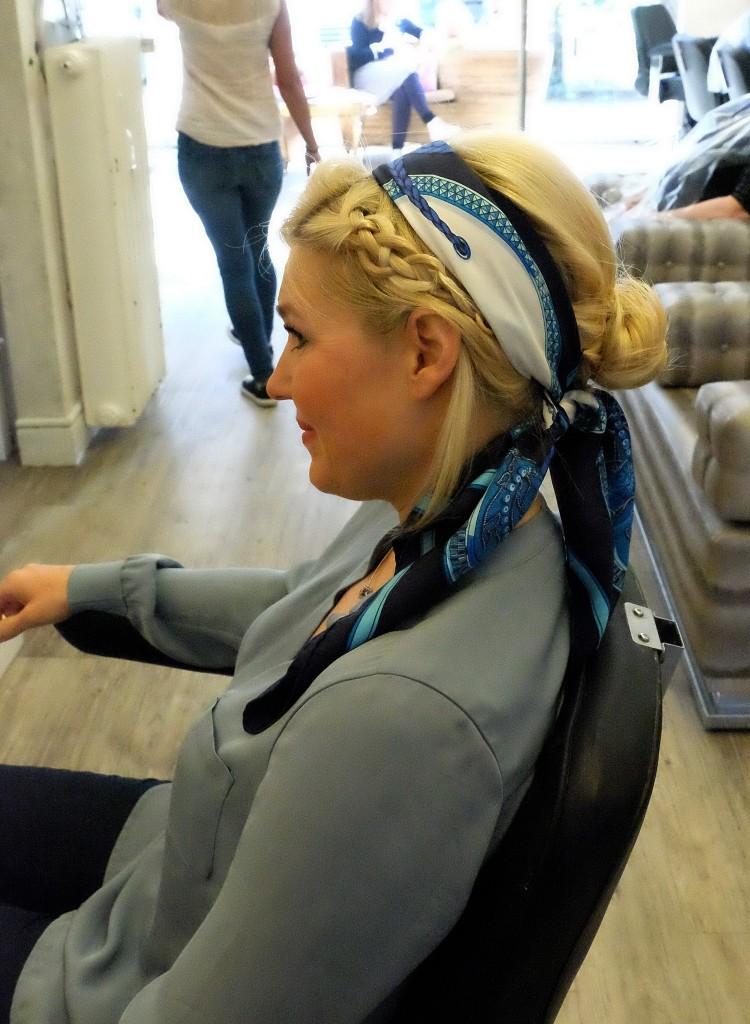 Flechtfrisur mit Seidentuch, Haartrend, Seidentuch im Haar, Tausendschön, Modeblog Lieblingsstil, Fashion Blog Lieblingsstil, Haartuch