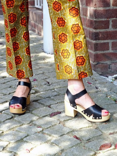 Blumenhose-Lieblingsstil,-Blumenhose-beige-orange,-Clogs,-Modeblog,-Fashionblog,-Fashion-Blog,-Lieblingsstil