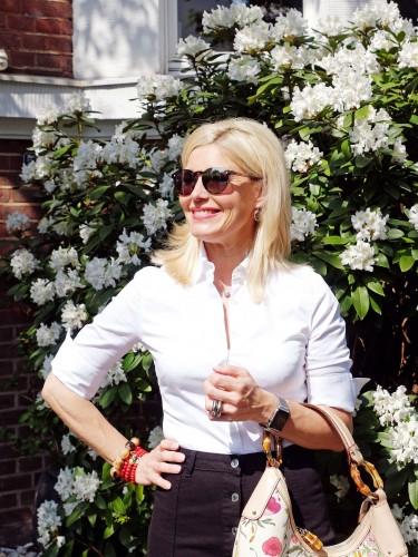Gina-Tricot-Jeansrock,-rote-Gucci-Schuhe,-Modeblog-Lieblingsstil,-Fashionblog-Lieblingsstil