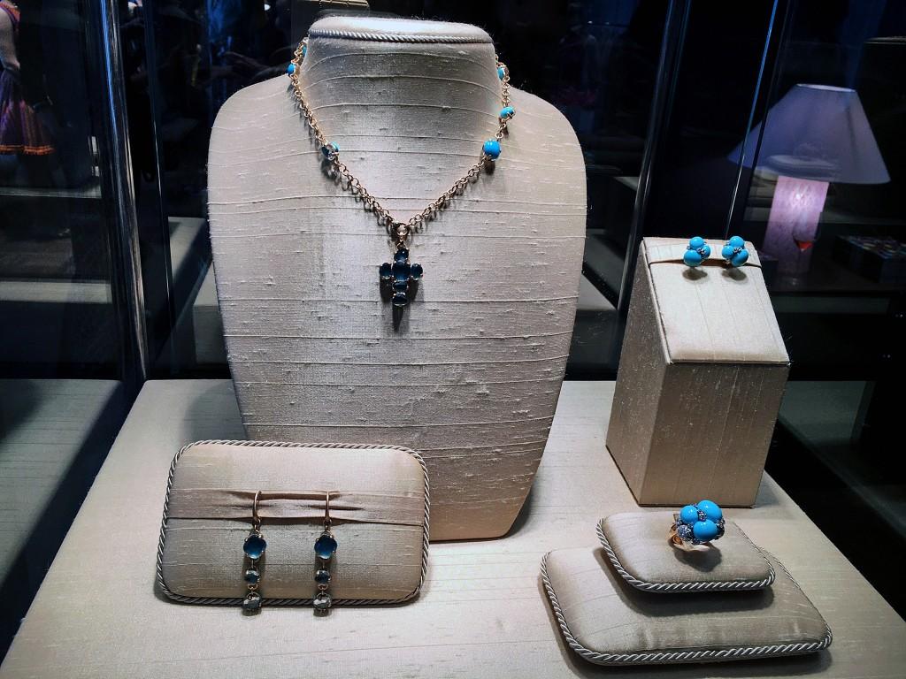 Pomellato Capri Serie mit Keramik, Pomellato jewellery, Pomellato Schmuck, Modeblog, Life Style Blog, Lieblingstil, Pomellato Capri ring