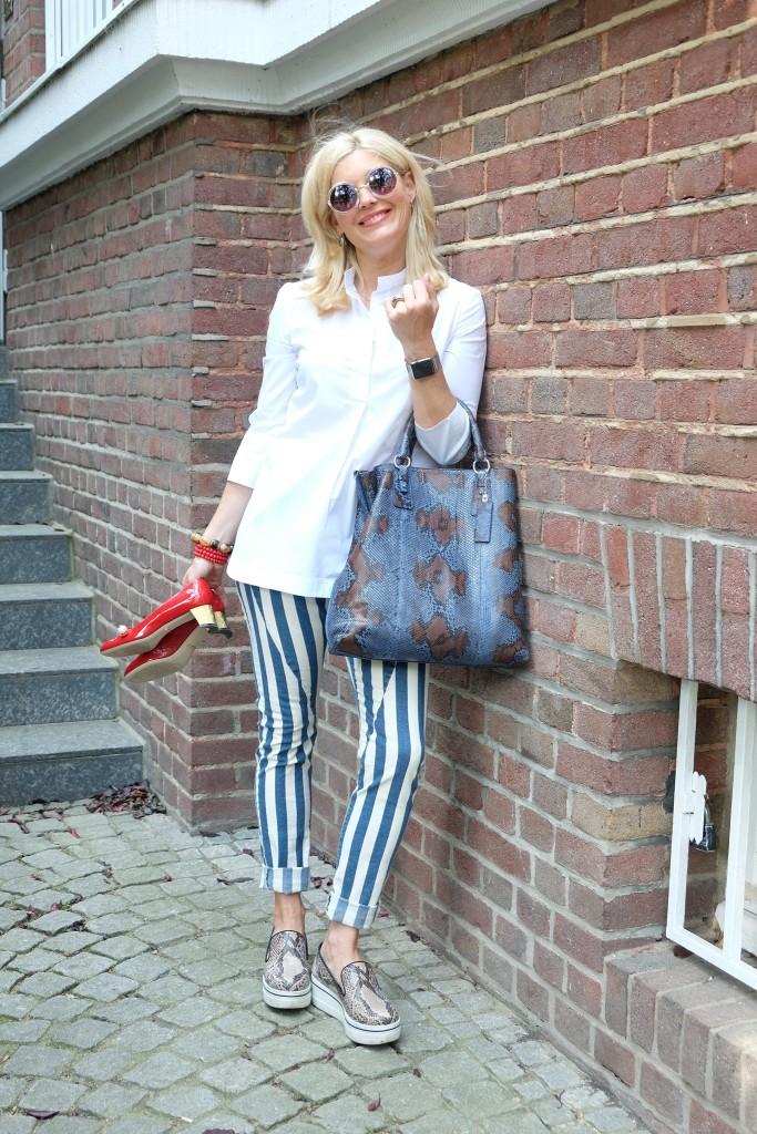 Please Jeans, striped pants, gestreifte Hose, rote Schuhe, Stella McCartney Slip-On, Gucci, Modeblogger, Bloggerstyle, Modeblog, Lieblingsstil