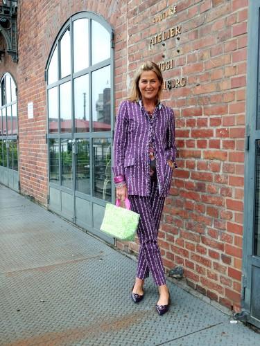 Siggi-Spiegelburg-,-Modeblog,-Fashion-Blog,-Fashionblog,-Lieblingsstil,-lila-Hosenanzug,-lila-Bluse