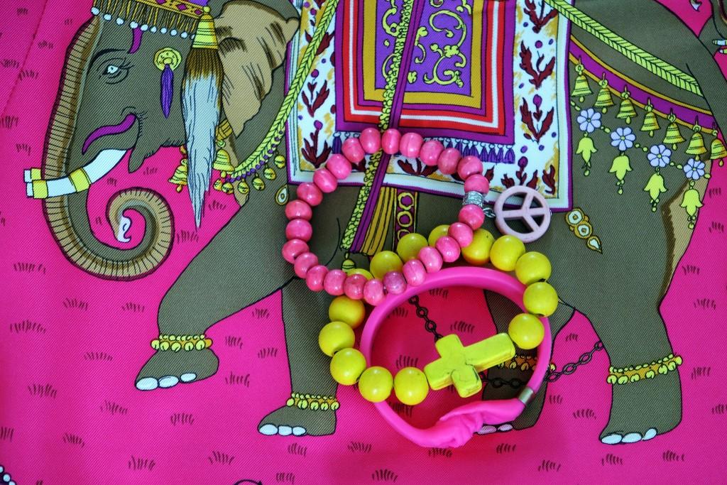 pink und gelb, yellow and pink, Hermès Tuch, Accessoires, Seidentuch und Accessoires, Modeblog, Fashionblog, Lieblingsstil,2