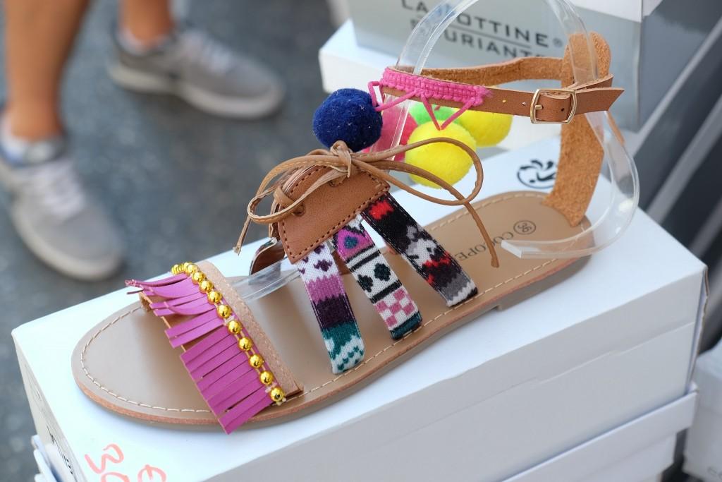 farbenfrohe Sandalen, colourful sandals, un pied au pérou, spartiates, Sandalen bunt, Fashionblog, Fashion Blog, Modeblog, Lieblingsstil