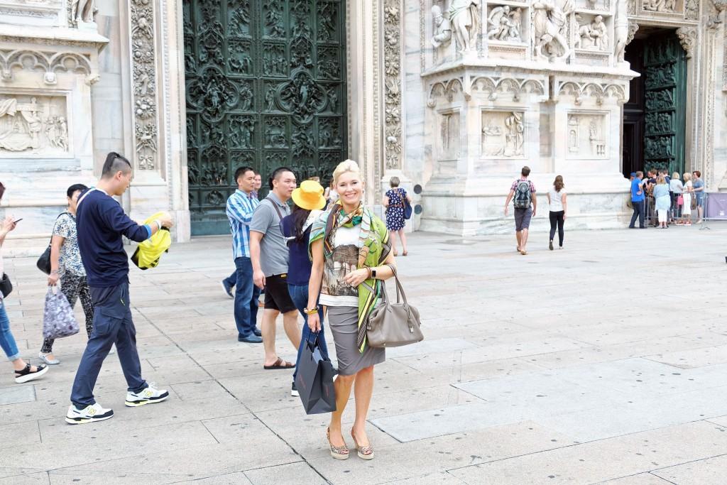 Streetstyle-Mailand,-Street-Style-Milano,-Mailand-Streetstyle,-Milano-Street-Style,-Dolce-&-Gabbana,-Cucinelli