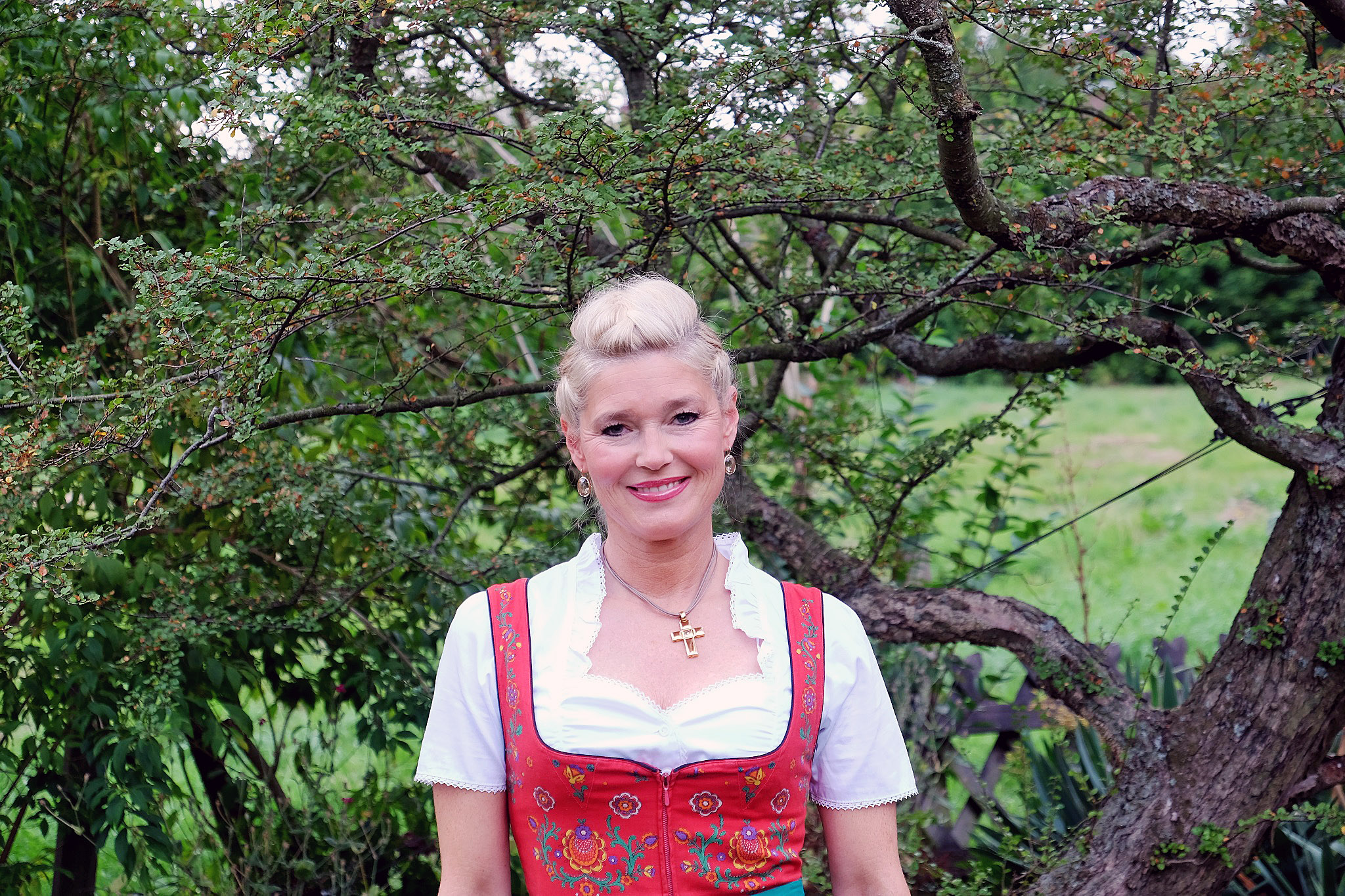 dirndl-look-dirndl-outfit-modeblog-fashionblog-oktoberfest-sauerland-wiesen-looklieblingsstil1