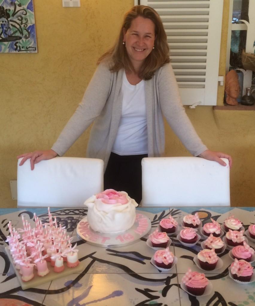 Eva Szczesny Backkunst, außergewöhnliche Backkunst, Torte Rosen. Cupcake Rose, Lifestyleblog, Lieblingsstil