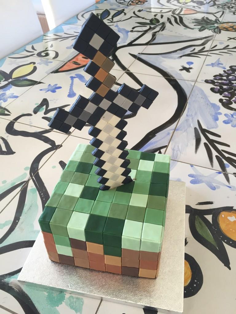 Eva Szczesny Backkunst, außergewöhnliche Backkunst, minecraft cake. minecraft Kuchen, Lifestyleblog, Lieblingsstil