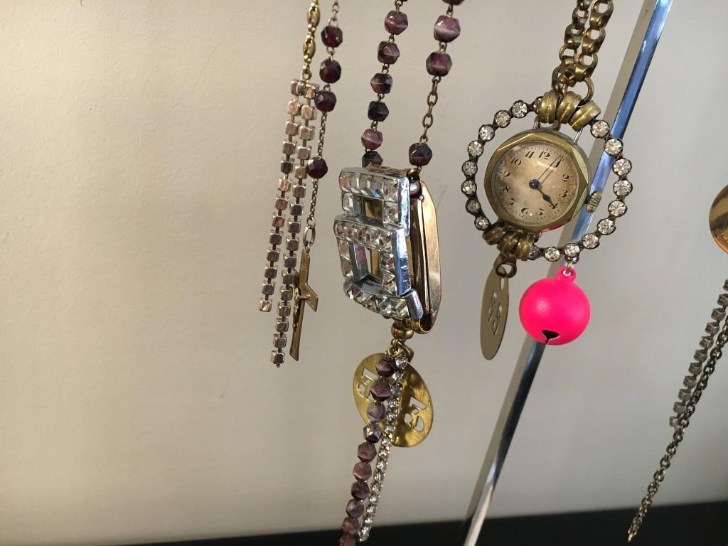 delphine-pariente-delphinepariente-watch-jewellery-uhrenschmuck-uhrenkette-vintage-schmuck-modeblog-lieblingsstil