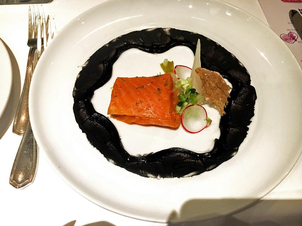 biolachs-lauwarmmit-gurke-und-creme-fraiche-victorian-restaurant-lieblingsstil-com-1