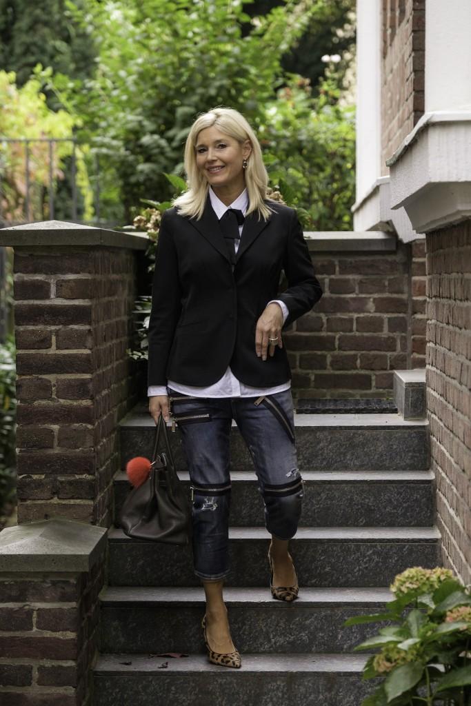 dsquared-jeans-was-ziehe-ich-morgen-an-prada-blazer-schwarz-rockige-jeans-lieblingsstil-com2