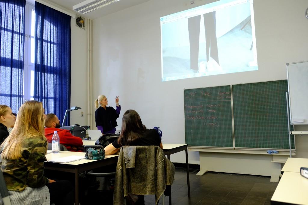 hochschule-niederrhein-blogger-vorlesung-vorlesung-bloggerin-textilfachbereich-niederrhein-vorlesung-hochschule-niederrhein