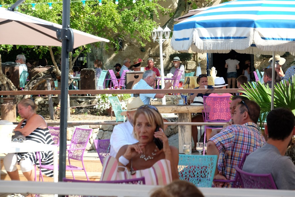 le-jas-des-roberts-lejasderoberts-restaurant-vintage-market-grimaud-antique-market-grimaud-lifestyle-blog-lieblingsstil