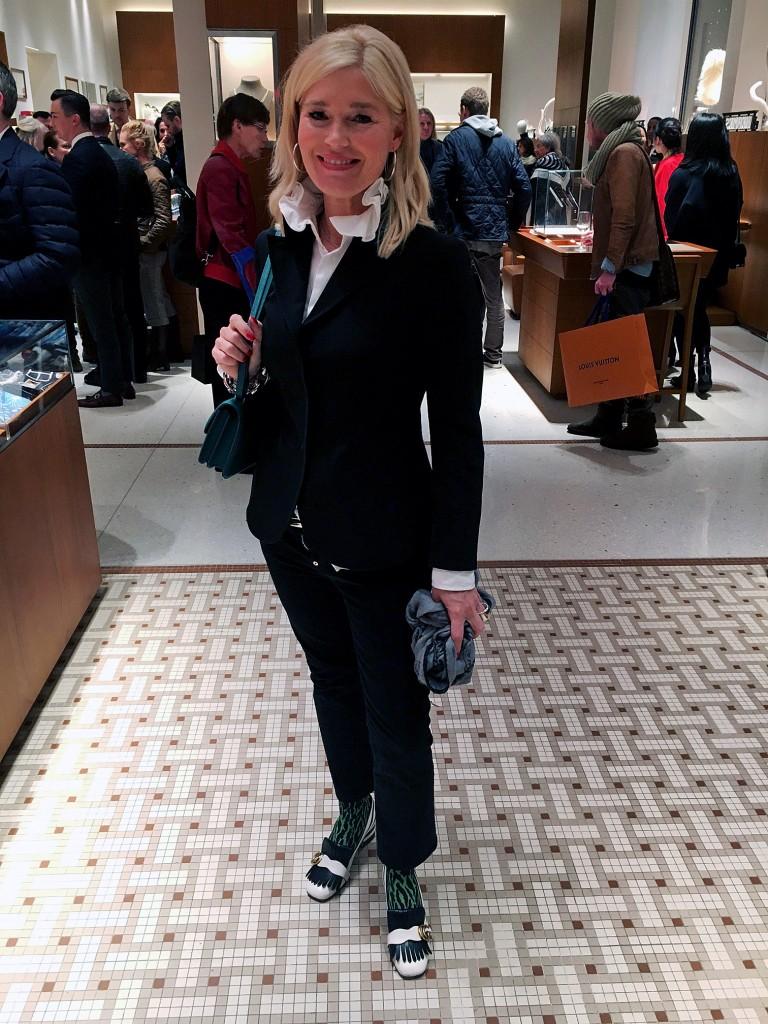 leo-struempfe-gruen-klassisches-outfit-mit-pepp-gucci-zebra-schuhe-modenlogue-40-fashionblog-ue40-www-lieblingsstil-com1