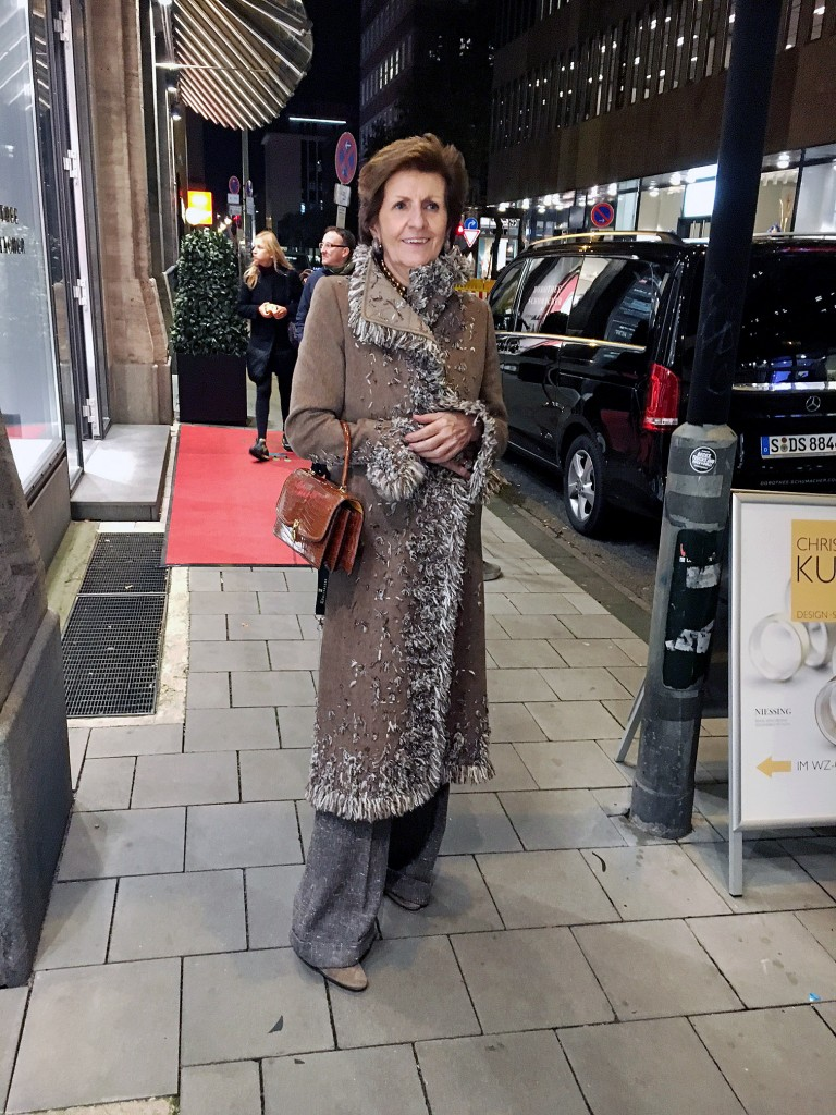 monika-gottlieb-modesammlerin-vintage-queen-oscar-de-la-renta-vintage-mantel-2012-vintage-luxus-vintage-exklusiv-lieblingsstil-com2