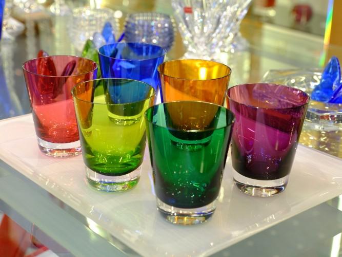 baccarat-glaeser-baccarat-crystal-baccarat-kristallmanufaktur-bunte-glaeser-glaeser-bunt-glaeser-mehrfrabrig-glaeser-modern-design-glaeser-franzen-duesseldorf-lieblingsstil-com-dscf1540