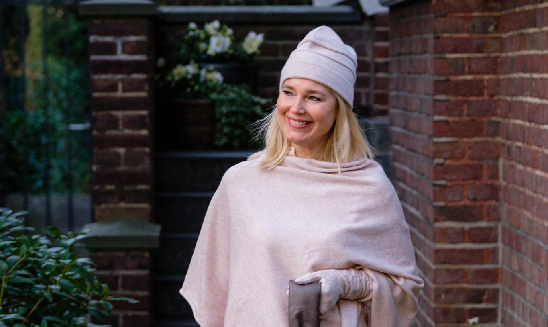 deutsche-modedesigner-de-adrienne-stark-cashmere-adrienne-collection-cashmere-poncho-poncho-cashmere-hell-liebliengsstil-com1