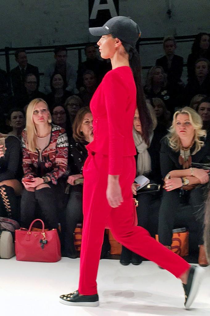 All in red, Jumpsuit red, Jumpsuit rot, Breuninger Fashion Show, Breuninger Fashion, Lieblingsstil.com, 1,IMG_5640