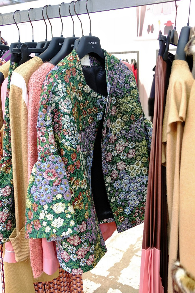 Beatrice Italia, Flower jacket, Blumen Jacki Style, Fashion Trends Berlin, Fashion Week Trends 2018, Trends Winter 2018, Trends Fashion Fairs 2018, Lieblingsstil.com 1,DSCF3786
