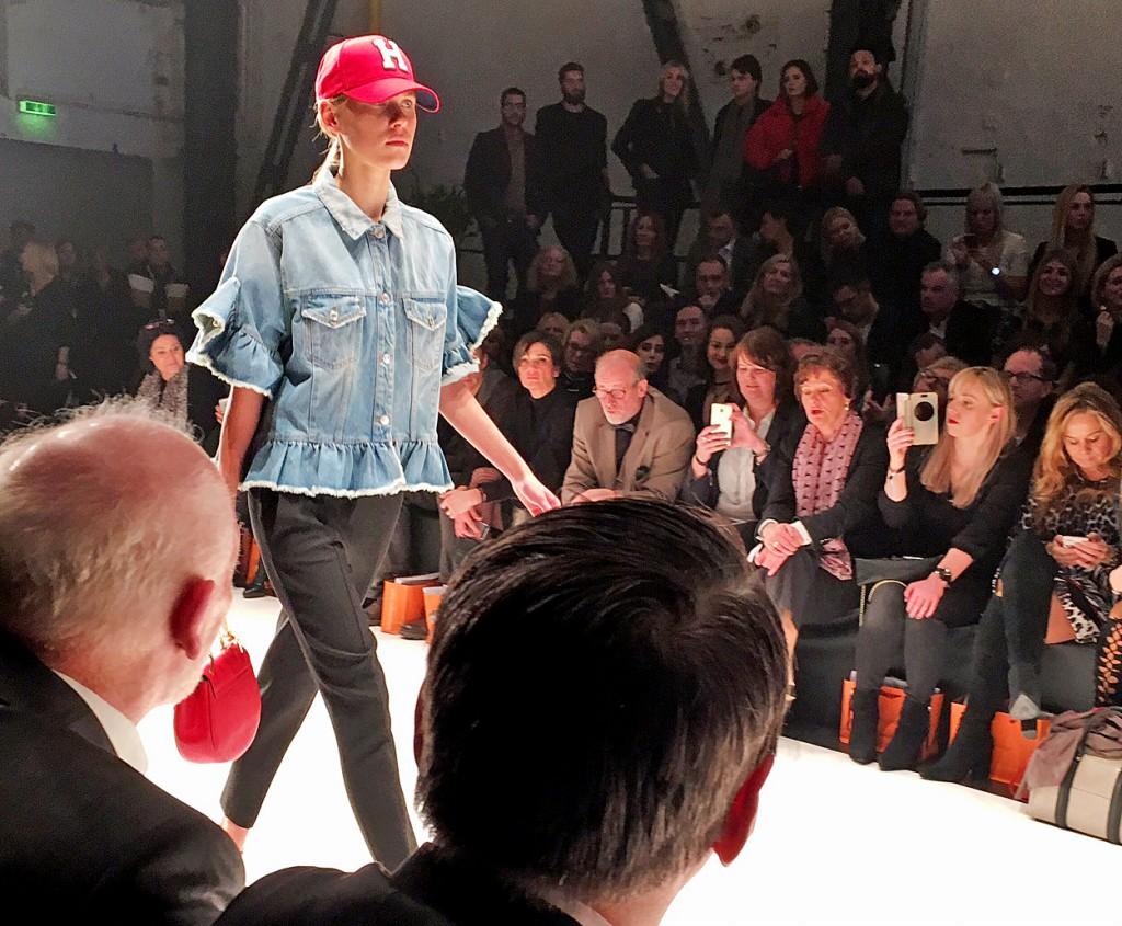 Breuninger Fashion Show, Breuninger Show, Breuninger Modenschau, Jeans Jacke kurze Ärmel, Lieblingsstil.com,1, IMG_5636