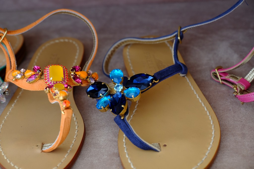 sandalen-mit-bunten-steinen-sandalen-mit-schmucksteinen-hand-made-colourful-sandals-had-made-sandalen-custom-made-sandals-lieblingsstil-com-dscf2805