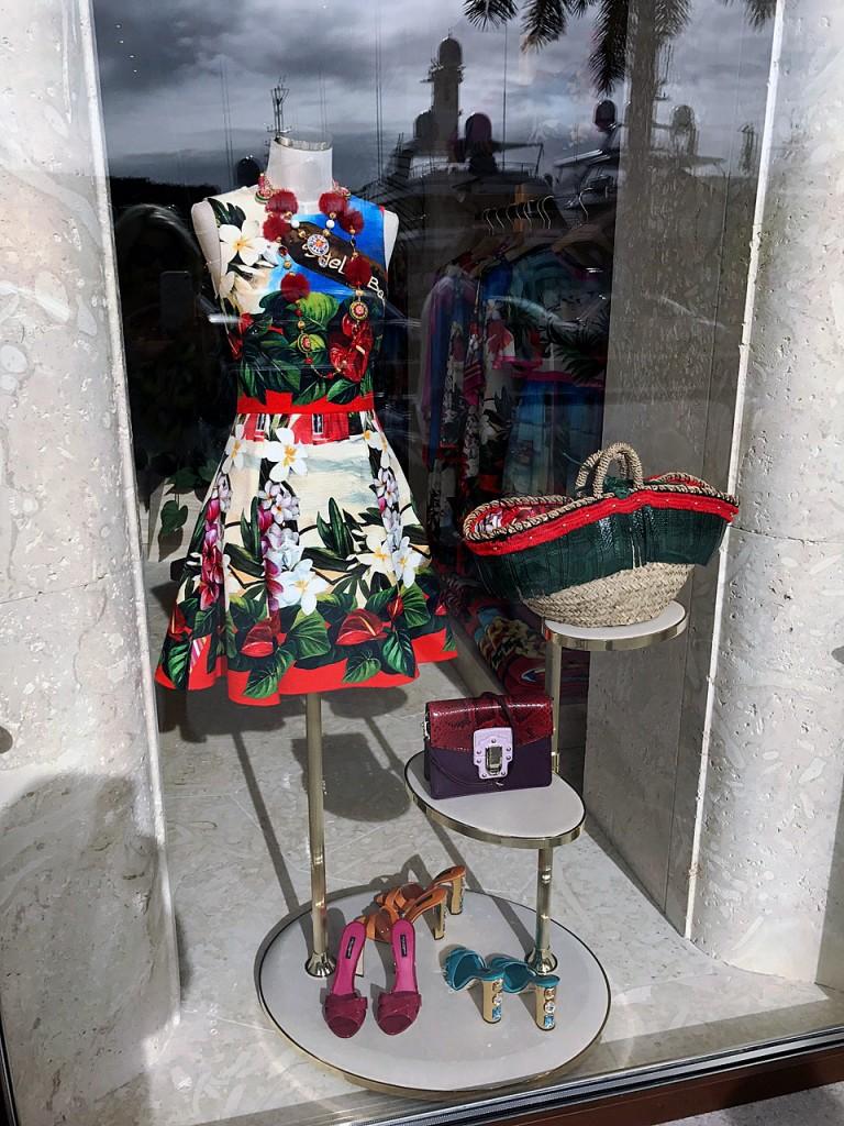st-barth-dolce-gabbana-boutique-dolce-gabbana-st-barth-blumenkleid-dolce-dolce-blumenkleid-lieblingsstil-com-fashion-blog-st-barth-img_0371