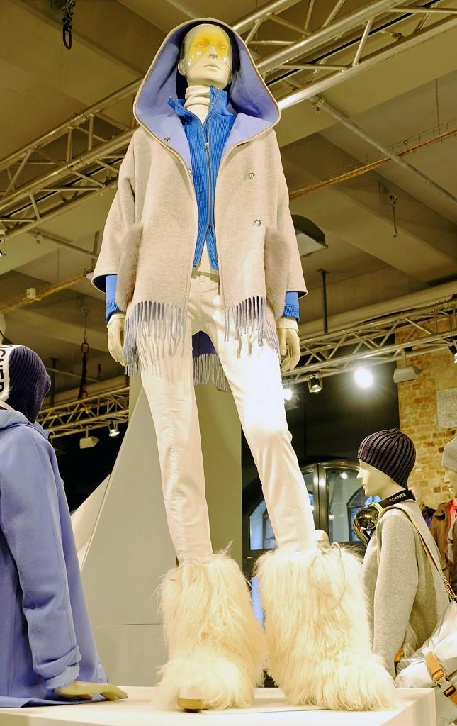 Bogner Skimode, Bogner Skitrends 2018, Skimode 2018, edle Kapuzenjacke mit Fransen, Skimodetrends 2018, Fashionblog, Lieblingsstil.com,2,DSCF3758