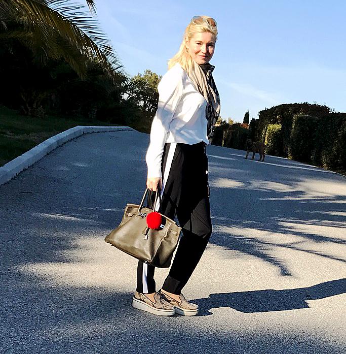 Trackpants Deutsche Modedesigner,edle Jogginghose, Hose mit seitlichen Streifen, Modeblog, Lieblingsstil.com, IMG_1996