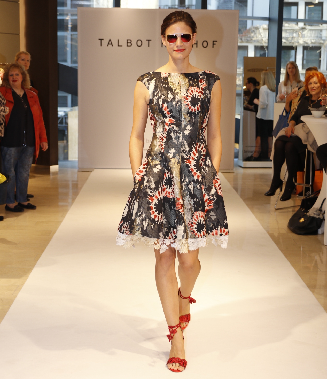 Talbot Runhof Kleid, Talbot Runhof Fashion Show, BreuningerDuesseldorf, Fashion-Blog, Lieblingsstil.com