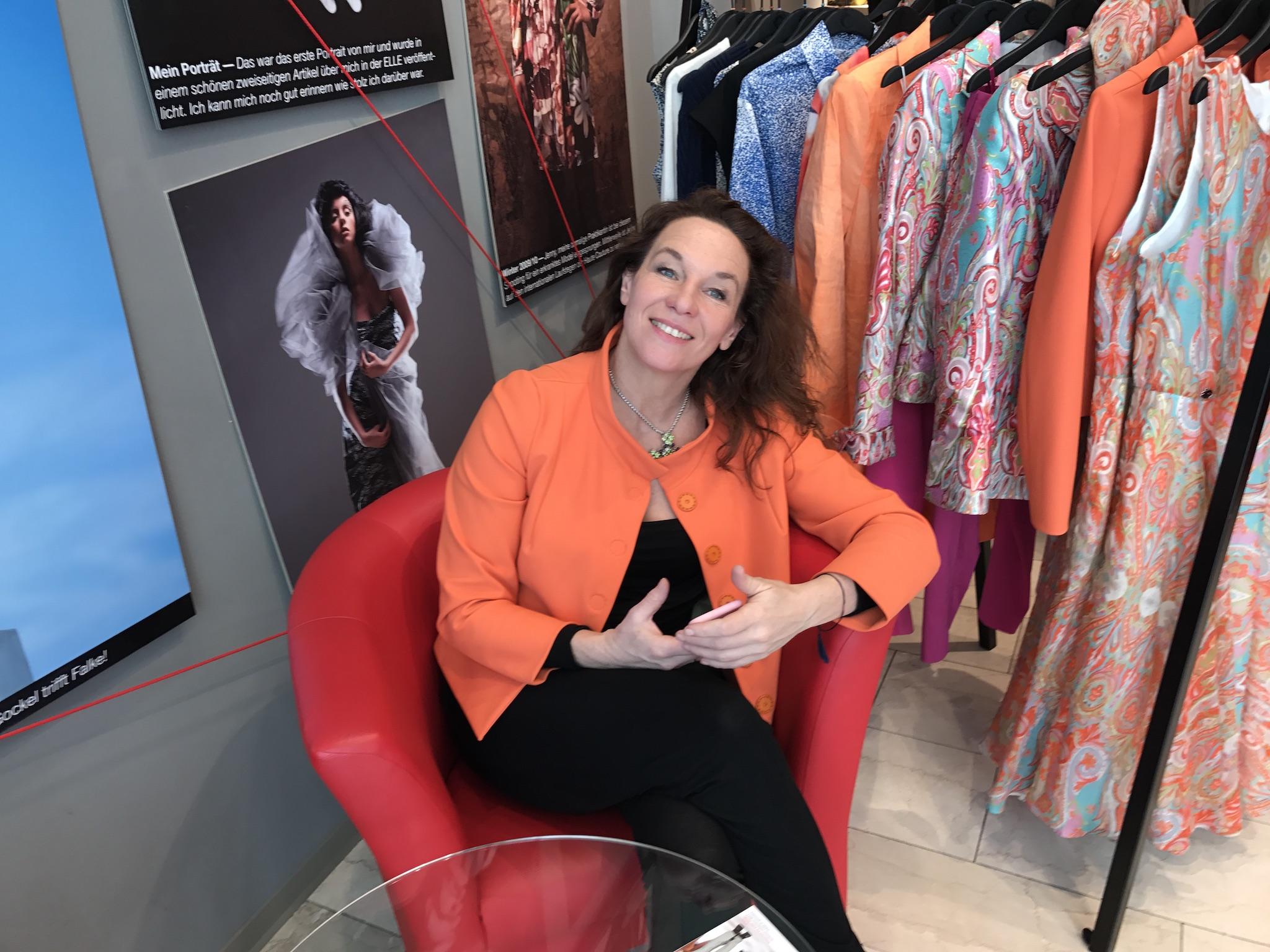 Anja Gockel Designerin, Anja Gockel Köln Boutique, Anja Gockel Bluse, Anja Gockel Wickelbluse, Fashion-Blog. Lieblingsstil.com