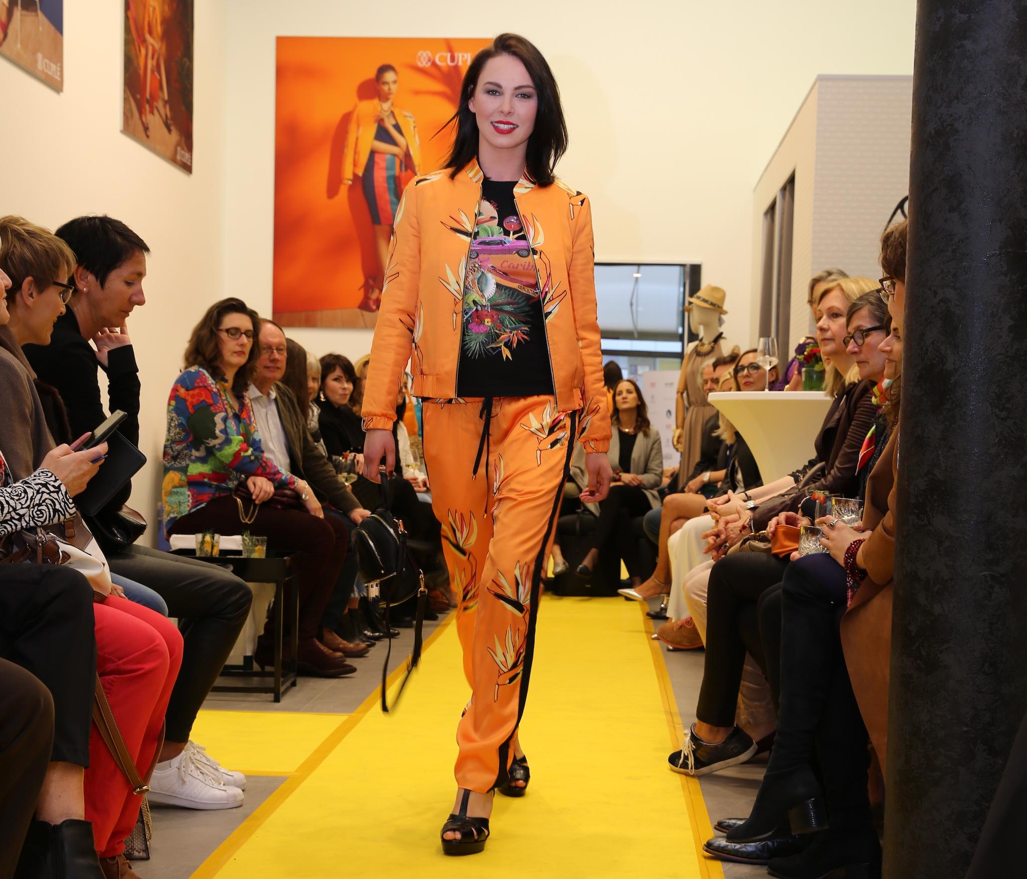 Cuplé Düsseldorf, cuplé fashion show, Cuplé Blouson orange, Fashion-Blog, Lieblingsstil.com