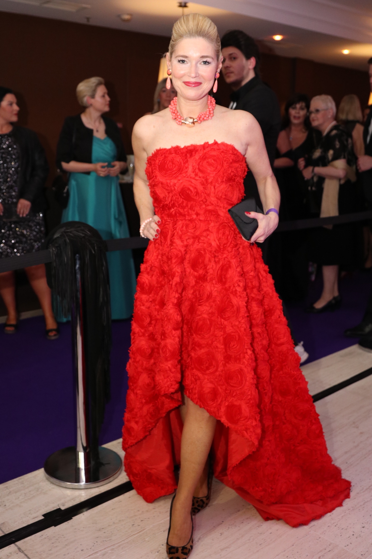 Petra Dieners Lieblingsstil, Matsouri Kleid, Ballkleid rot, Abendkleid rot, Fashion-Blog, Lieblingsstil.com, Brauksiepe Schmuck,