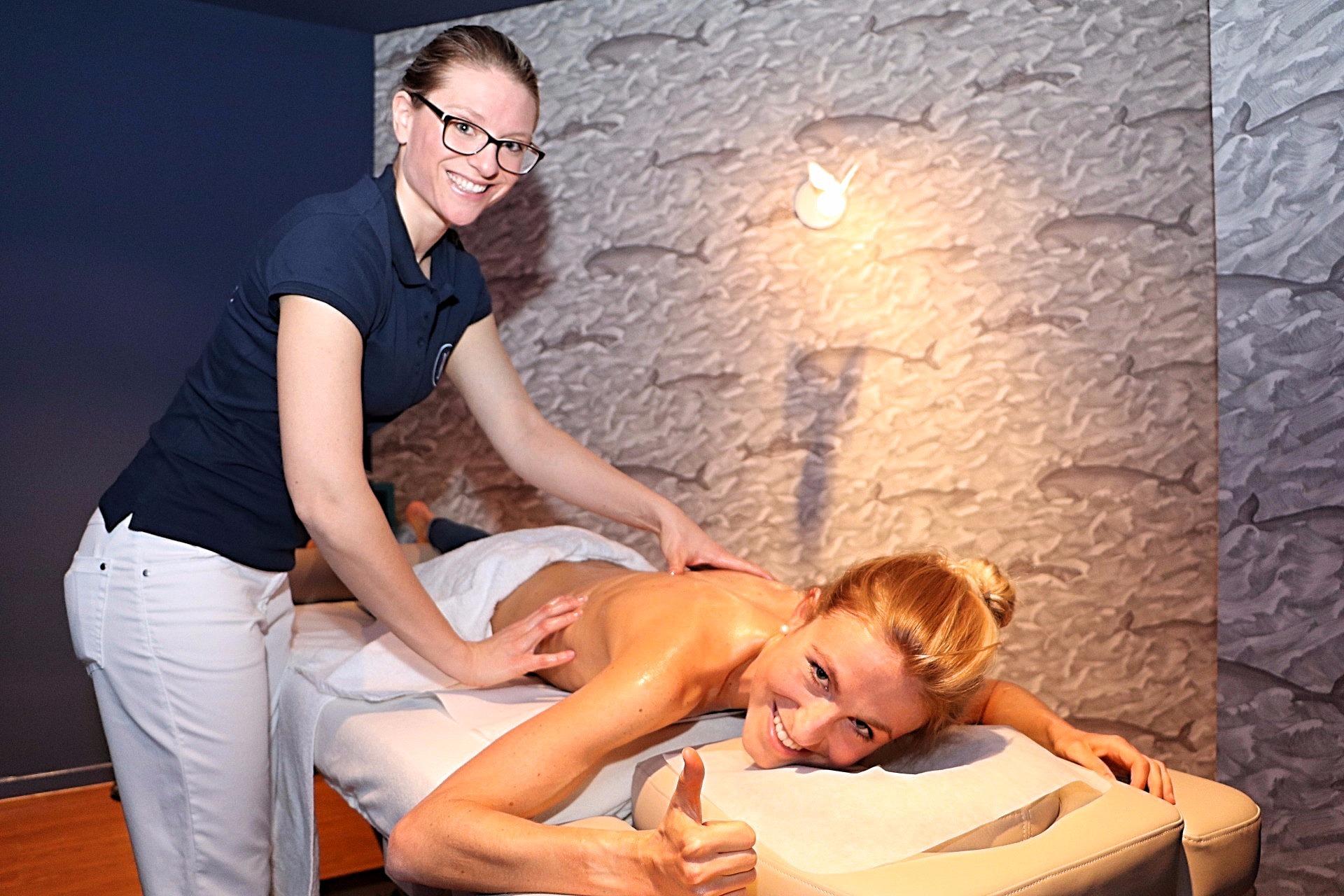 ©Uwe Erensmann - Massage Marathonläuferin Laura Hottenroth Myssage Ort der Entspannung, Lieblingsstil.com,