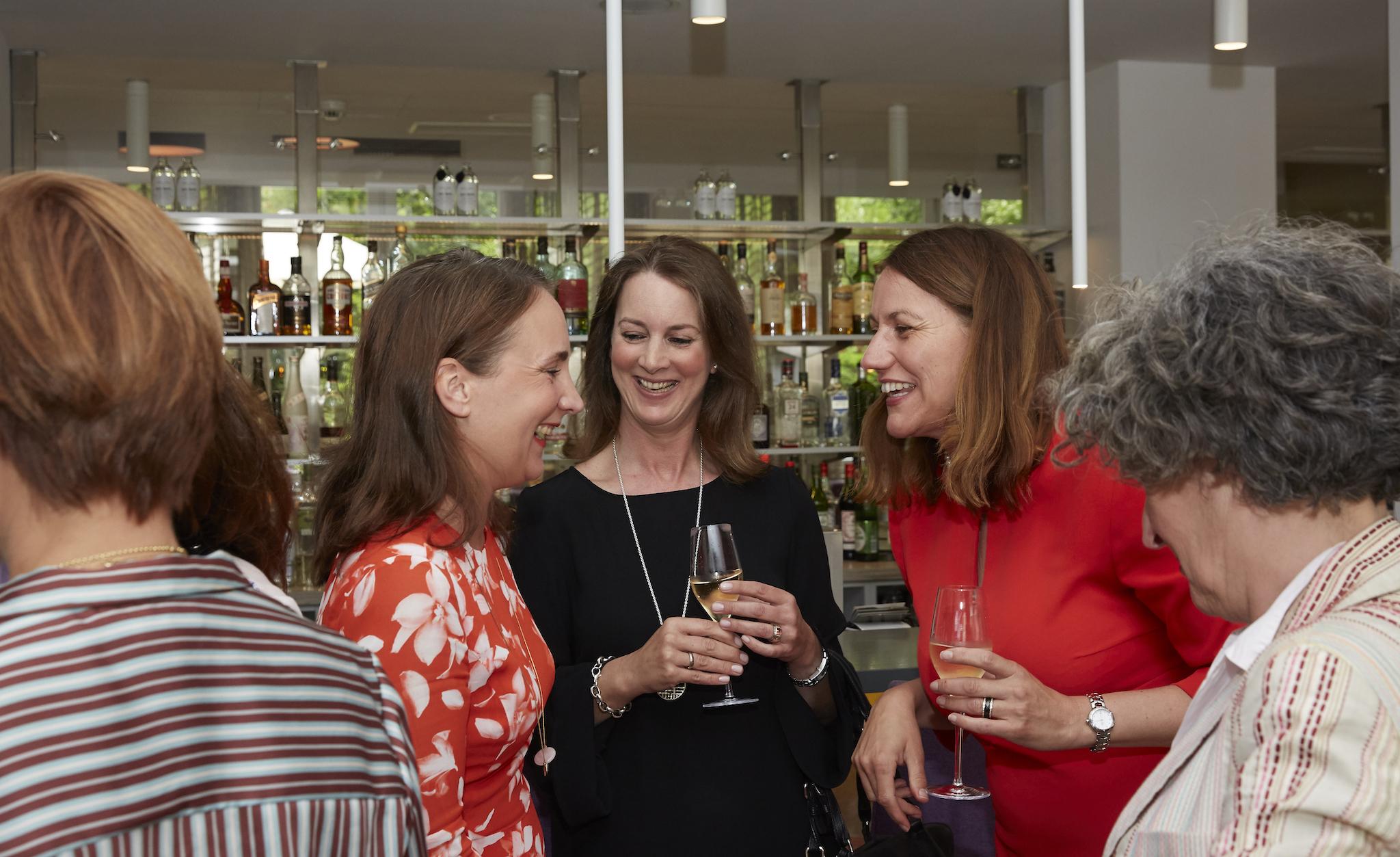 Herzwerk Ladies Lunch im Hotel Indigo, Hotel Indigo Hotel, Fashion Hotel Düsseldorf, Katja Schnabel Hoteldirektorin, Britta Gries, Sabine Hansen, Lifestyle-Blog, Lieblingsstil.com,