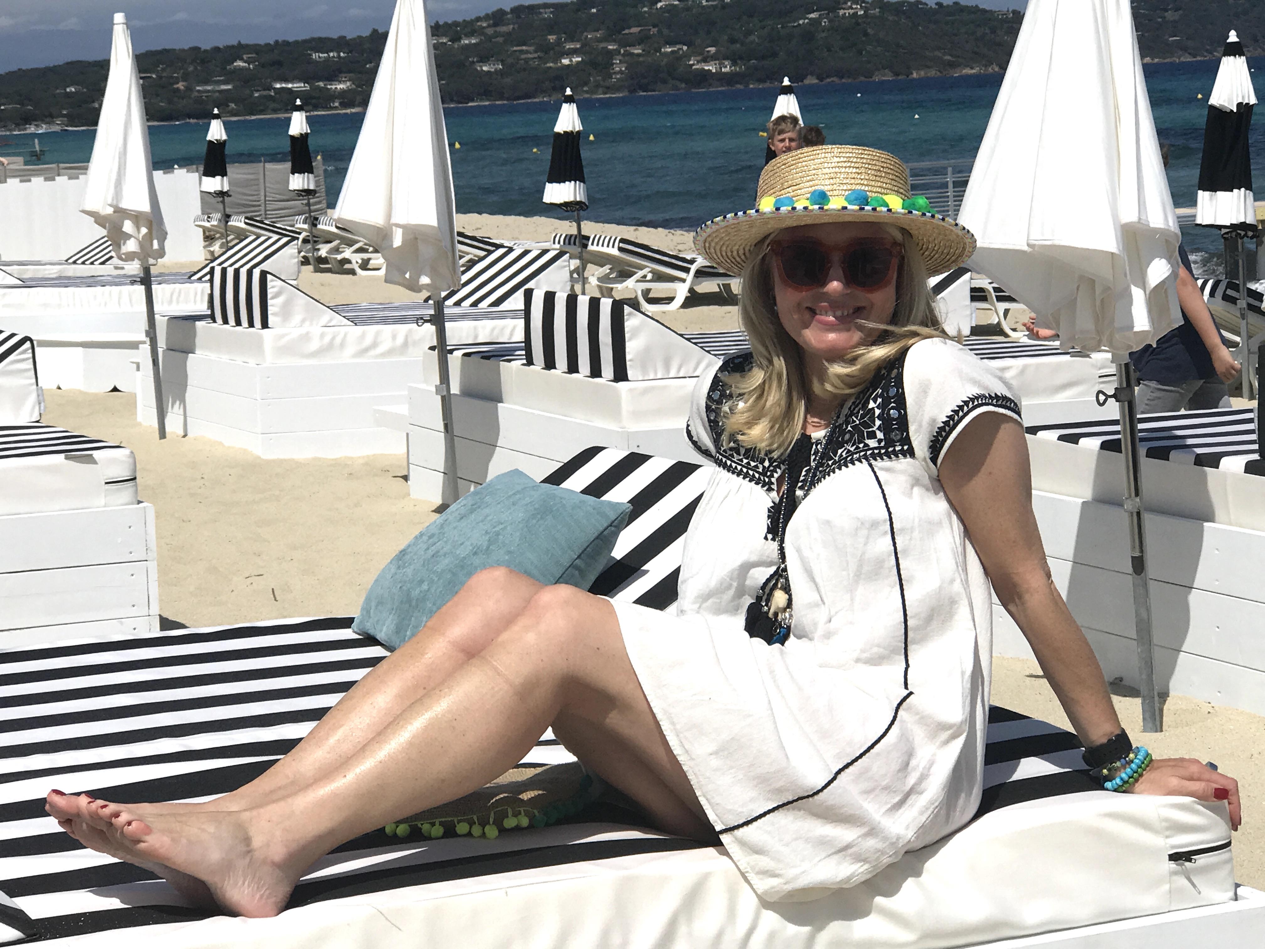 Sonnenhut Trend, Strohut Trends, Huttrends, Boater Loevenich, bunter Hut mit Bömmeln, Star Mela Tunika, Fashion-Blog, Lieblingsstil.,