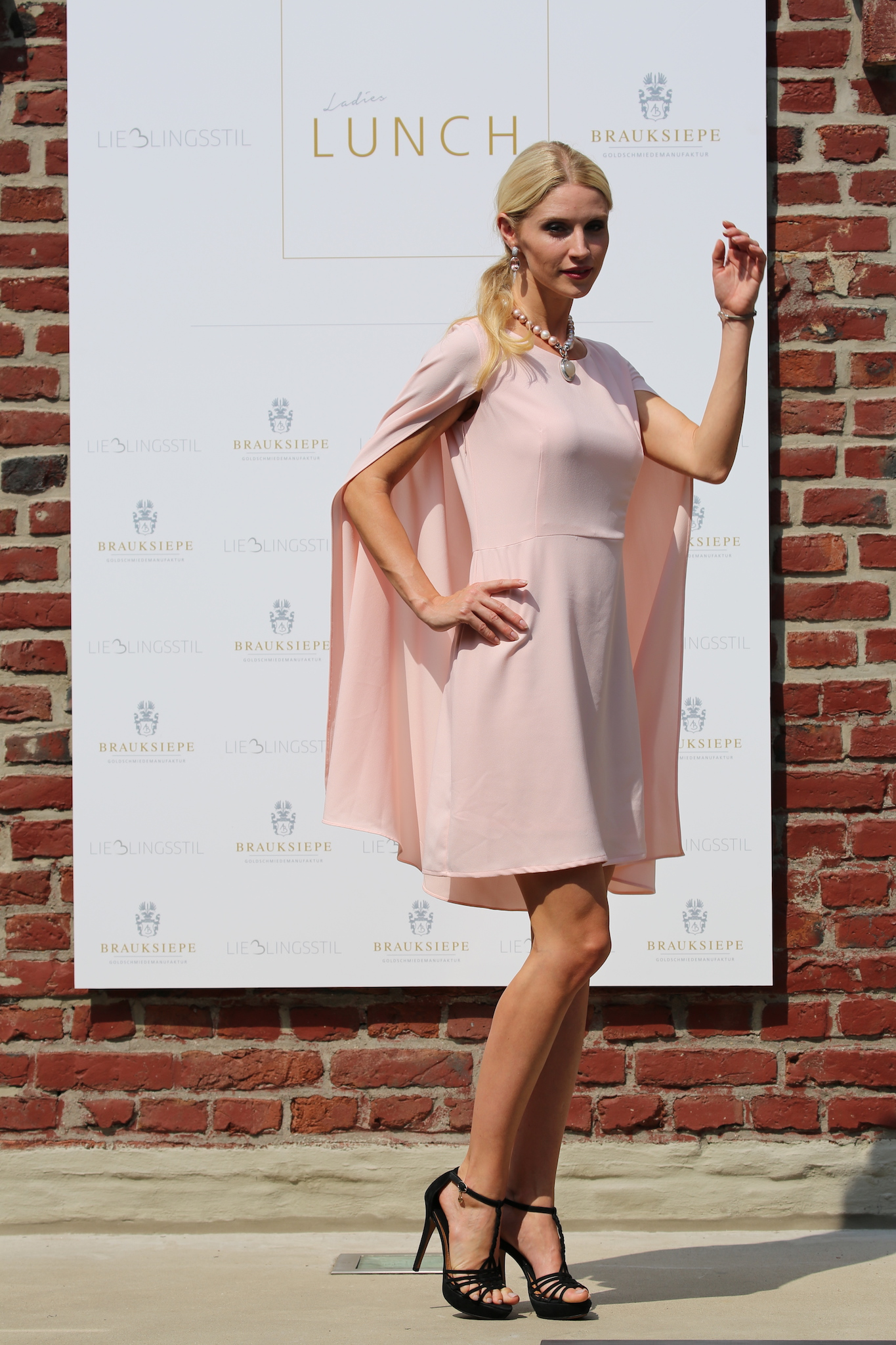 Stefanie Seiffert Model, Cuplé Kleid, Cuplé Mode, Cuplé Moda, Cuplé Fashion. Fashion-Blog, Lieblingsstil.com,