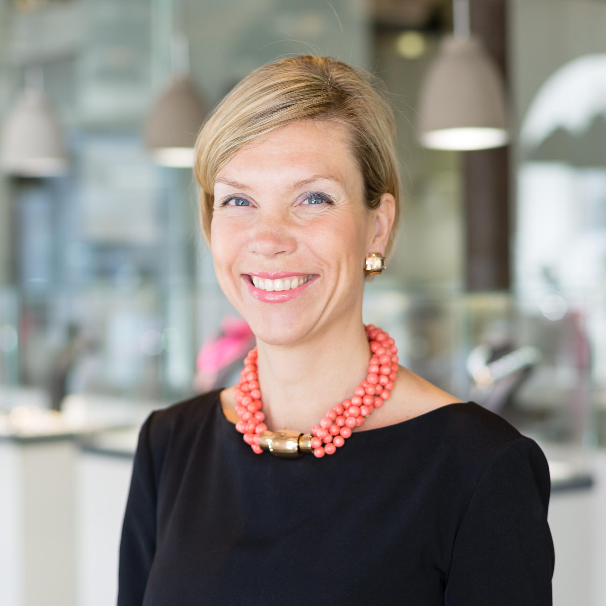 Verena Jonetat, Brigitte Bostel, Brauksiepe Goldschmiedemanufaktur,