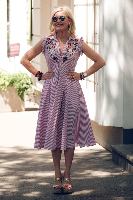 unbeschreiblich weiblich, tailliertes weites Sommerkleid, Petra Dieners, Fashion-Blog, Lieblingsstil.com,