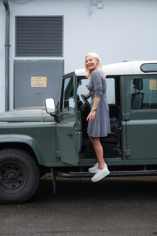 Simone Cuntz Cashmere, SimoneCuntz.de, tolles Strickkleid, tolles Cashmere Strickkleid, Ausgestelltes Strickkleid, Defender Girl, Fashion-Blog, Lieblingsstil.com,