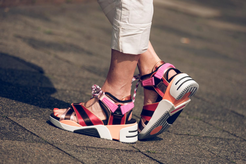 Sneaker Sandalen - stylish und bequem